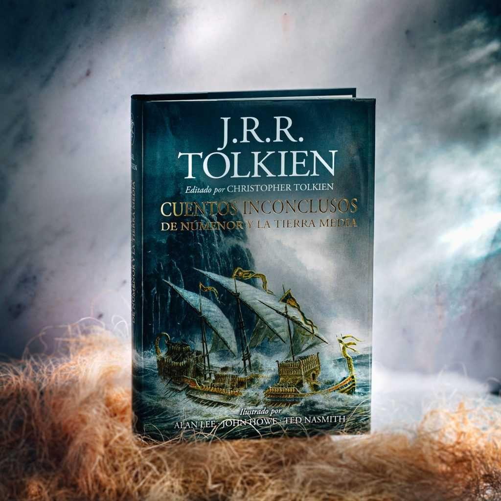 La imagen tiene un atributo ALT vacío; su nombre de archivo es Cuentos-Inconclusos-Tolkien-0009-1024x1024.jpg